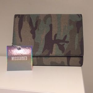 Missguided Camo Clutch bag
